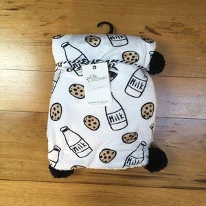NWT Petite and Modern Baby Blanket